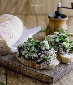 Tatar siekany z makreli z awokado Fish And Seafood, Camembert Cheese, Dairy