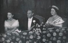 King George VI and Queen Elizabeth with their daughter Princess Margaret at the royal variety performance, November Princess Elizabeth was not in attendance because she was heavily pregnant with Charles at the time. Princess Elizabeth, Princess Margaret, Queen Elizabeth, Queen Mother, King George, Royalty, Concert, Classic, British