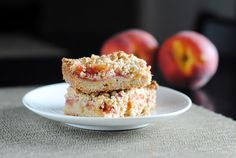 Ginger peach shortbread bars