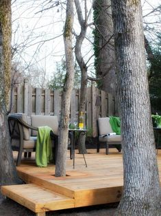 simple step-by-step instructions on how to build a deck around existing trees. Deck Around Trees, Landscaping Around Trees, Tree Deck, Deck Building Plans, Deck Plans, Backyard Patio Designs, Backyard Landscaping, Patio Ideas, Landscaping Ideas