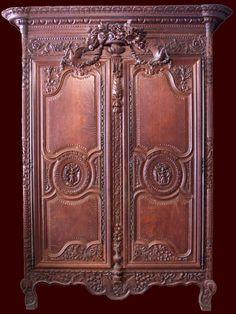 Exceptionnelle armoire normande de Bayeux dite de la plaine de Caen