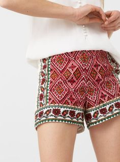 Ultra-desirable prints that just add the right dose of bohemia. Short: 73080120 by mango Cotton Shorts Women, Mango, Embroidered Shorts, Personal Stylist, Printed Shorts, Boho Shorts, Outfit Of The Day, Ideias Fashion, Summer Outfits
