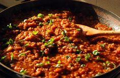 Un peu de changement avec cette recette de lentilles bolognaise au chorizo. Ce plat est rapide et simple à faire pour une dégustation royale et un goût suc
