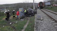 Тежък инцидент от тази сутрин! Кола беше пометена от влак - https://novinite.eu/tezhak-intsident-ot-tazi-sutrin-kola-beshe-pometena-ot-vlak/