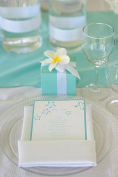 :: Aqua + yellow + white. Table setting. Event Essentials Hawaii.