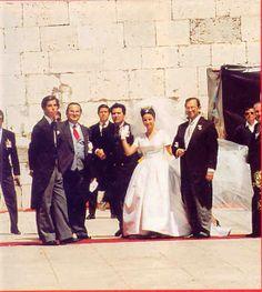 Noiva com Classe: Maio 2012 O casamento Real de Dom Duarte Pio de Bragança e Isabel Inês de Castro Curvello de Herédia foi realizado em 13 de Maio de 1995 no Mosteiro dos Jerônimos