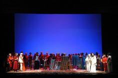 Salute Donne!! più di 60 donne su un palco per difendere l'immagine del proprio corpo