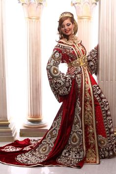 Style Caftan, Caftan Dress, Red Wedding Dresses, Wedding Dress Styles, Evening Gowns Couture, Long Sleeve Evening Gowns, Oriental Dress, Trendy Sarees, Arab Fashion