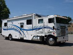 Marmon motor home, 2010 ATCA meet at Macungie, Pa by Lehigh Valley, PA, via Flickr