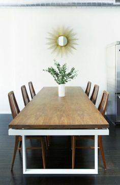 Tabla en madera por la cocina. Esta tabla me gusta mucho porque es muy simple y bastante grande.
