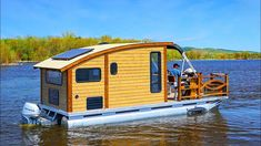 Woodworker Builds The Perfect Tiny House Boat for Life on the Water Pontoon Houseboat, Pontoon Boat, Houseboat Living, Small Fishing Boats, Small Boats, Tiny Boat, Shanty Boat, Open Air, Boat Stuff
