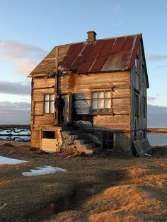 Small, adorable, run-down cabin in Skinnalón, Iceland ~ I really want a cabin like this!!