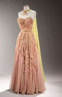 couture allure vintage fashion_ladylike frockage | More here: http://mylusciouslife.com/prettiness-luscious-pastel-colours/