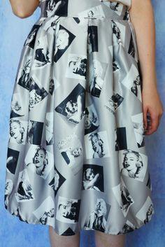 Spódnica z motywem Marilyn Monroe Ikona Stylu Hollywood w kolorze szarym z nadrukiem | Dariza Marilyn Monroe skirt www.dariza.pl Sklep Dariza Stworzona By inspirować