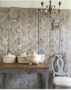 I am in love with this wall paper. Swedish Style, Swedish House, Swedish Design, Scandinavian Furniture, Scandinavian Interior, Scandinavian Design, Swedish Interiors, Country Interior, Shabby