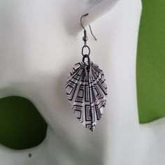 Art Deco style origami earrings on gun metal colour findings are simply elegant, and so easy to wear. Boho Jewelry, Beaded Jewelry, Beaded Bracelets, Unique Jewelry, Jewellery, Handmade Shop, Handmade Items, Handmade Gifts, Cute Gifts
