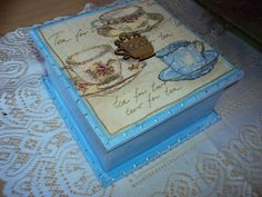 Caixa de chá com 4 divisórias e aplique de xícara em mdf na tampa. Feita sob encomenda em outras cores e tamanhos. consulte R$30,00