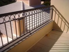 2MS Artefatos de Aço LTDA.: Ferro Quadrado Front House Landscaping, Balcony Railing, House Landscape, Iron Work, Iron Gates, House Front, Fence, Blinds, Porch