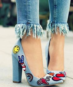 emoji heels