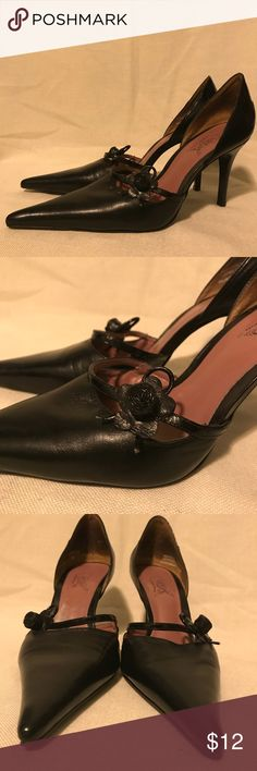 Carlos Santana Shoes EUC, cute rose detail, leather, made in Brazil. Carlos Santana Shoes Heels