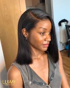 Wow come like her real scalp😝 Love this work from our hairstylist.💇‍♀️ Unit: deep side part frontal bob wig View the product link tagged in the post.🎉 Here's a coupon for more discounts. Easy Hairstyles For Medium Hair, Short Bob Hairstyles, Hairstyles Haircuts, Weave Hairstyles, Black Hairstyles, Hairstyles Videos, Ponytail Hairstyles, Short Hair Styles Easy, Medium Hair Styles