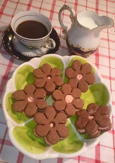 Dupla pudingos kekszek, nem csak a krém puding, hanem a kekszek tésztája is - Ketkes.com Izu, Cookies, Desserts, Food, Crack Crackers, Tailgate Desserts, Deserts, Biscuits, Essen