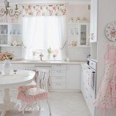 Cozinha Shabby Chic, Shabby Chic Kitchen, Shabby Chic Homes, Shabby Chic Style, Shabby Chic Decor, Home Decor Furniture, Home Decor Bedroom, Home Living Room, Vintage Kitchen Curtains