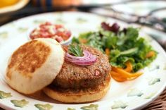 Garden Chicken Burgers with Basil-Gorgonzola Salsa English Muffin Brands, English Muffin Recipes, Sandwich Melts, Soup And Sandwich, Food Categories, Recipe Categories, Bays English Muffins, Great Recipes, Soup Recipes