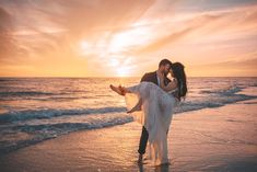 Best Ideas Romantic Beach Wedding Photos The Dress Wedding Pictures Beach, Couple Beach Pictures, Wedding Beach, Sunset Beach Weddings, Destination Weddings, Trendy Wedding, Beach Wedding Outfits, Dress Wedding, Romantic Beach Photos
