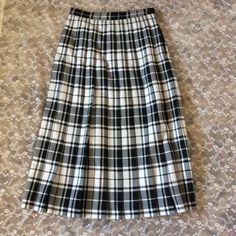 Black and White Plaid Pleated ALEXON 1980's Skirt Size by Brawtah