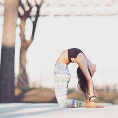 Camel pose \ Yoga backbend