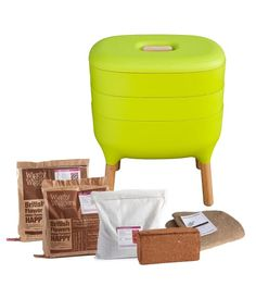Urbalive Worm Composter Wormery From Wiggly Wigglers - 20 Litre Lime Red Worms, Balcony Planters, British Flowers, Kitchen Waste, Liquid Fertilizer, Worm Farm, Worm Composting, Earthworms, Water Plants