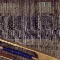 琉球藍先染め大麻布 八寸名古屋 Japanese Obi-belt for kimono. All hand spun hemp and dyed with natural indigo. #HarueNishikawa #西川はるえ