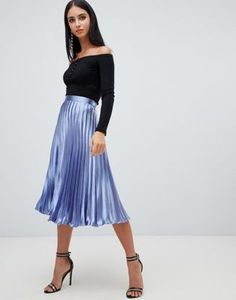 Buy Missguided hammered satin pleated midi skirt in blue at ASOS. Get the latest trends with ASOS now. Midi Skirt Outfit, Casual Skirt Outfits, Dress Skirt, Skirt Pants, Metallic Pleated Skirt, Pleated Midi Skirt, Satin Skirt, Night Out Outfit Classy, Asos