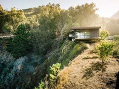 Context. The site, which features a 250-foot drop to the Pacific Ocean along the bluff and toward the west, offers dramatic views. |  Fougeron Architecture...