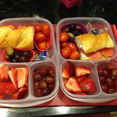 Doesn't this look scrumptious? One of my favorite lunches. #easylunchboxes #meatlessmonday