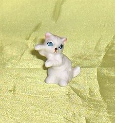 Miniature  White  Cat  Kitten Figurine