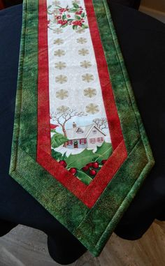 Christmas Bargello Table Runner by KrasoskisKrafts on Etsy Quilted Table Runners Christmas, Patchwork Table Runner, Christmas Placemats, Christmas Runner, Table Runner And Placemats, Christmas Sewing, Christmas Crafts, Christmas Decorations, Christmas Quilting