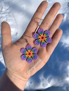 Handmade rainbow seed bead earrings 🌈 Measurement of flower: L inches / W inches Seed Bead Jewelry, Seed Bead Earrings, Flower Earrings, Beaded Earrings, Earrings Handmade, Seed Beads, Beaded Jewelry, Handmade Jewelry, Seed Bead Flowers