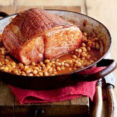 Braised gammon and quick Boston beans recipe Gammon Recipes, Pork Recipes, Slow Cooker Recipes, Cooking Recipes, Cooking Time, Savoury Recipes, Slow Cooking, Healthy Cooking, Yummy Recipes