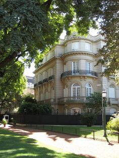 Recoleta, Palermo Chico a posh neighborhood in Buenos Aires. Palermo, Argentine Buenos Aires, Places Around The World, Around The Worlds, Art Nouveau Arquitectura, Argentina South America, Tango, Second Empire, Countries Of The World