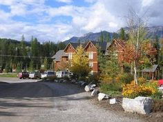 Spruce 231 Condo Fernie Set 500 metres from Deer Chair in Fernie, this apartment features an outdoor pool. Spruce 231 Condo boasts views of the mountain and is 500 metres from Mighty Moose. Free WiFi is offered throughout the property. Cable Channels, Ski Lift, Mountain View, Free Wifi, Outdoor Pool, Aspen, Skiing, Swimming Pools, Condo