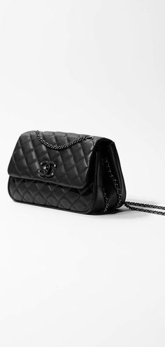 817b345db4ee The Fall-Winter 2016 17 Pre-collection Handbags collection on the CHANEL  official