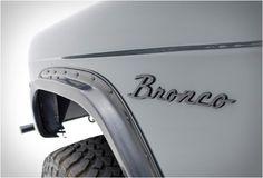 1971-ford-bronco-custom
