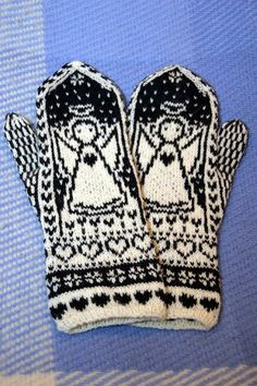 Knit Mittens, Knitting Socks, Knit Socks, Stick O, Knit Crochet, Crochet Hats, Double Knitting, Hand Warmers, Handicraft