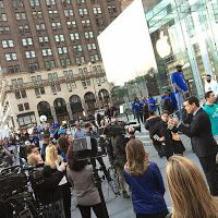 iPhone crazy: Insane photos of lines from iPhone 6 launch day