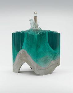 cristal y concreto una escultura impresionante