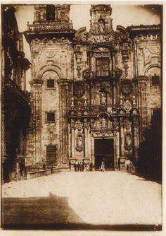Fachada da igrexa do mosteiro de San Salvador de Vilanova de Lourenzá. Lourenzá, Lugo, ca. 1910. Xelatina de prata ao clorobromuro. 17 x 12 cm.