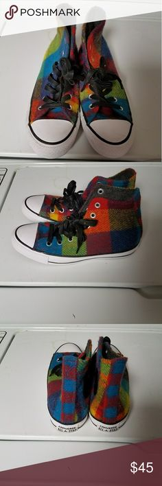 Converse Only worn twice Converse sneakers. Women's size 7. Converse Shoes Sneakers