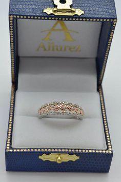Graduating Diamond Twisted Wedding Band 14k Two Tone Gold (0.38ct) - Allurez.com